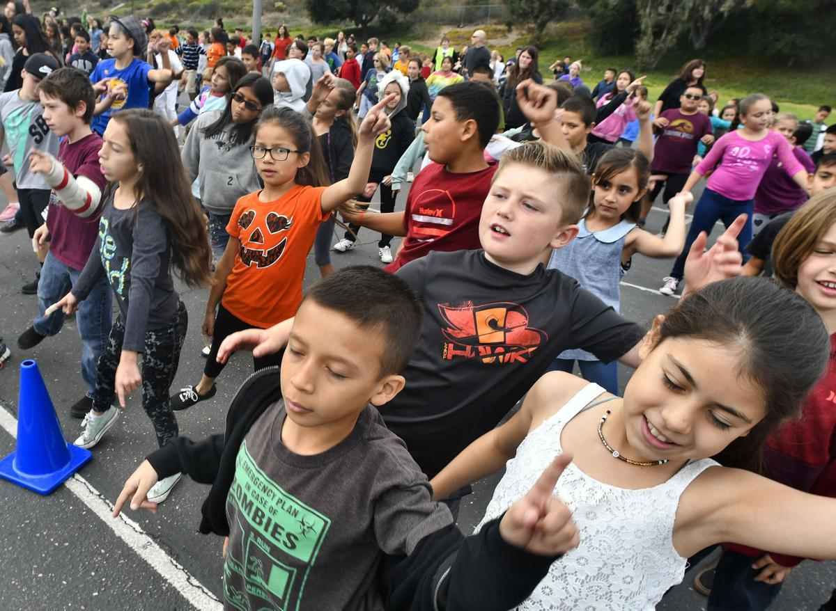 thriller': los berros students kick off halloween with schoolwide