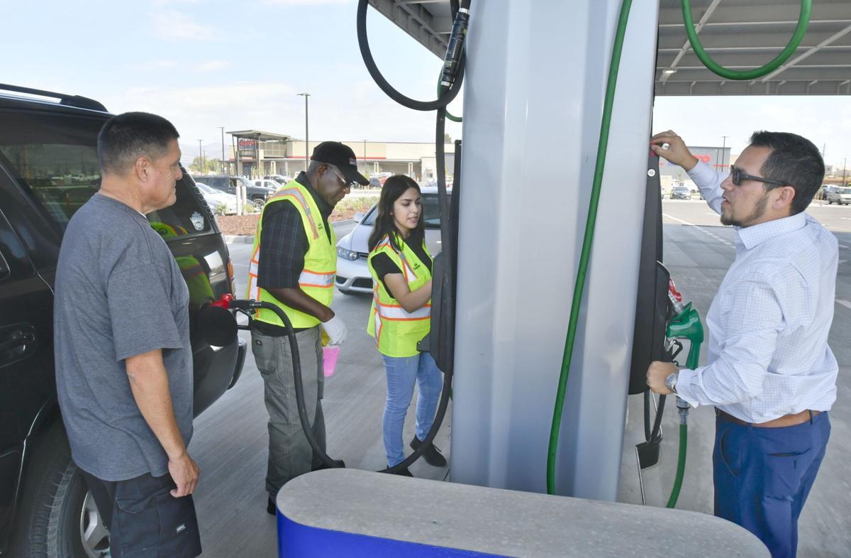 091317 Costco gas opens 01.jpg
