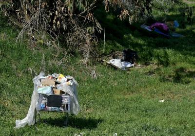 021420 Lompoc riverbed homeless 03.jpg