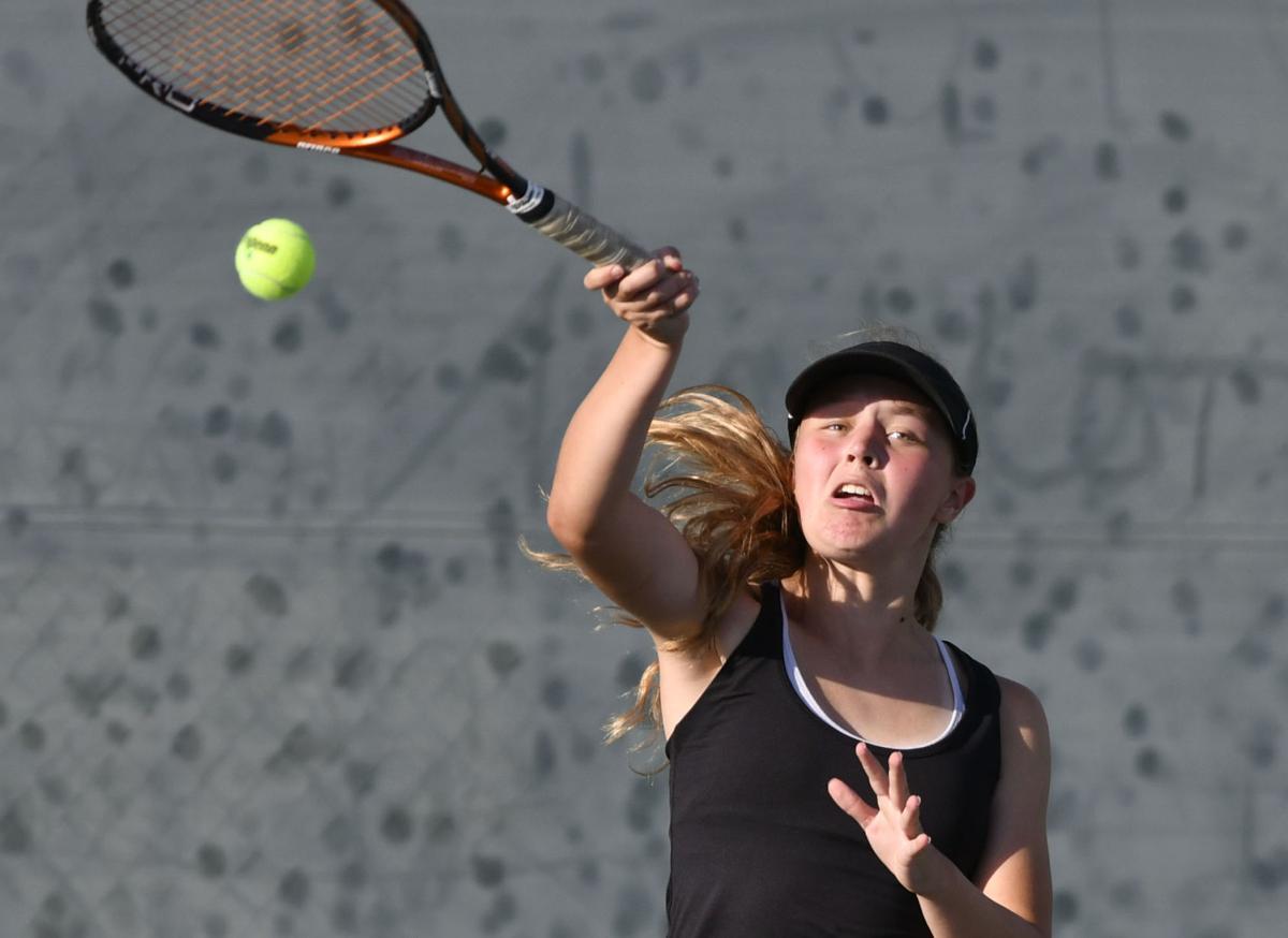101118 CHS SY tennis 02.jpg