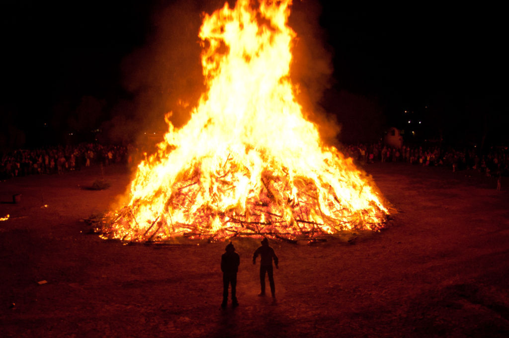 solvang s annual christmas tree burn planned friday night local