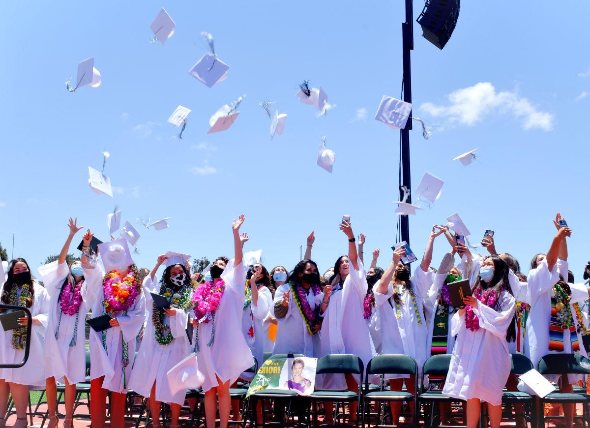 060921-smt-news-sjhs-graduation-001