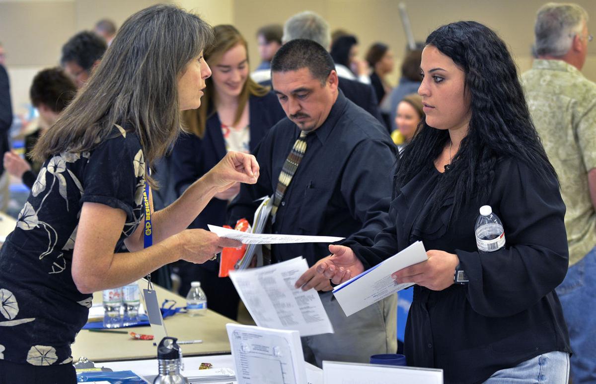 042116 Lompoc job fair 01.jpg