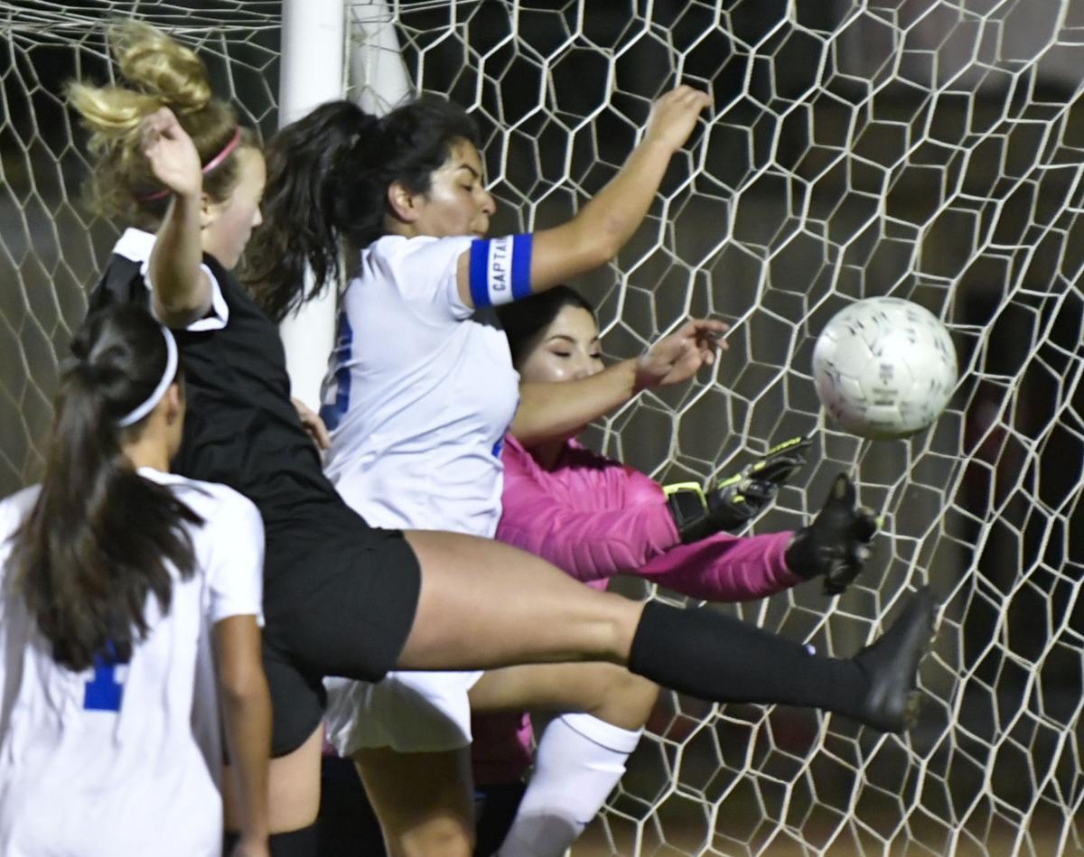 011618 SY Lompoc g soccer 01.jpg