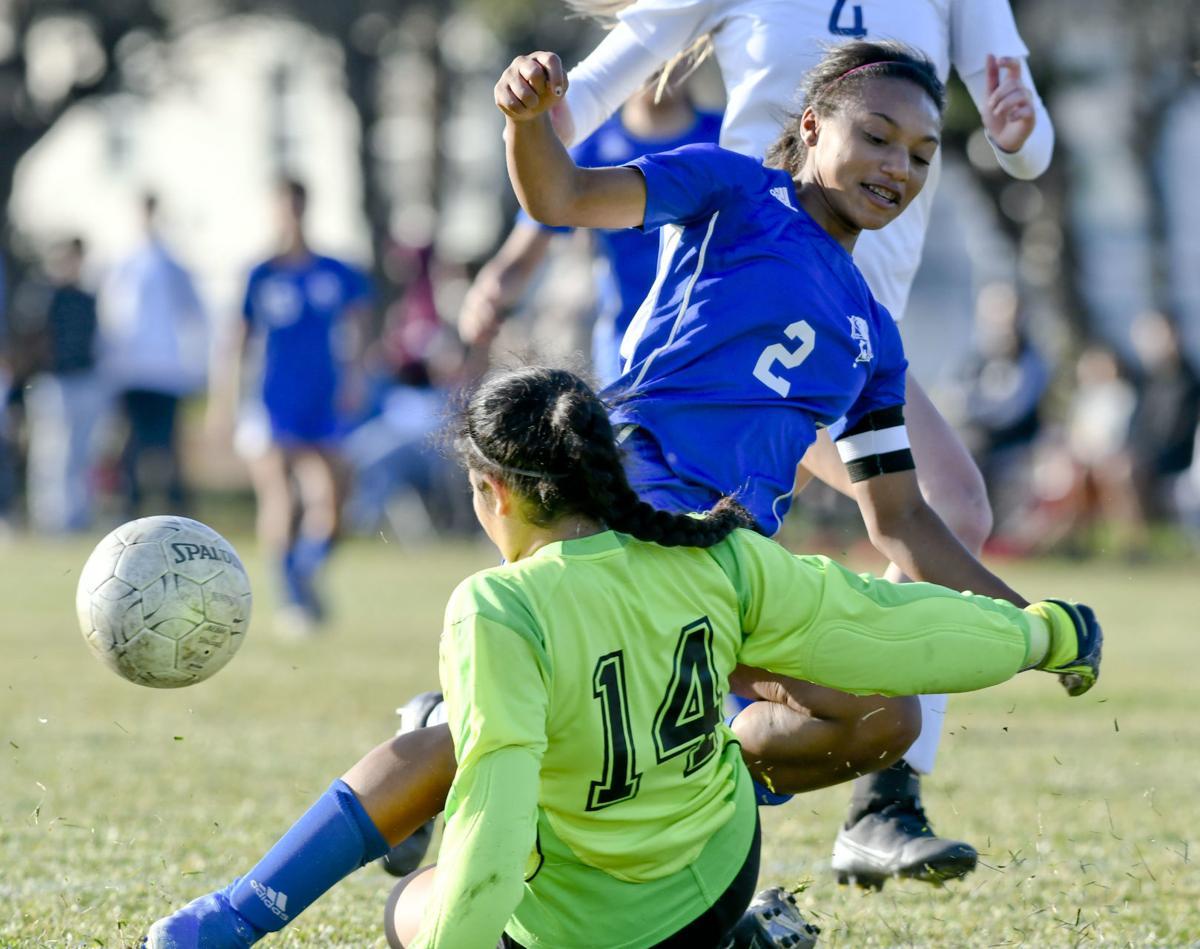 021320 Quinta Lompoc g soccer 02.jpg