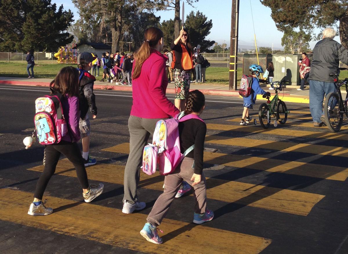 100516 La Honda walk to school day (copy)
