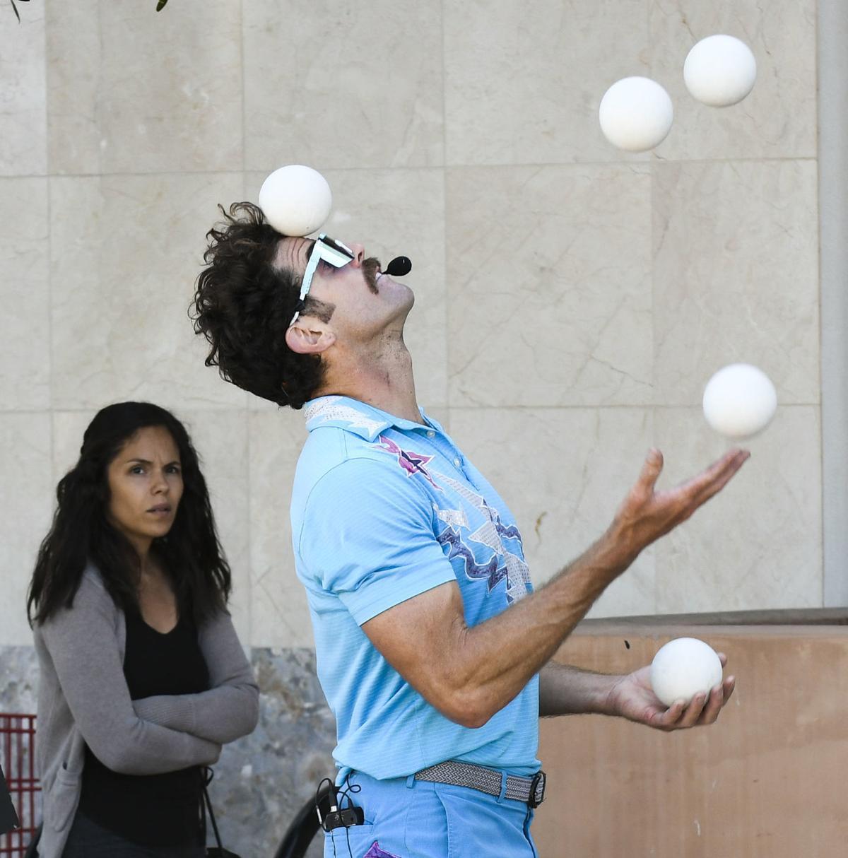 062620 Trader Joe's juggler 02.jpg