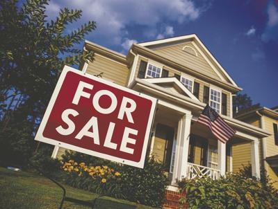 What are the differences between real estate agents and brokers?