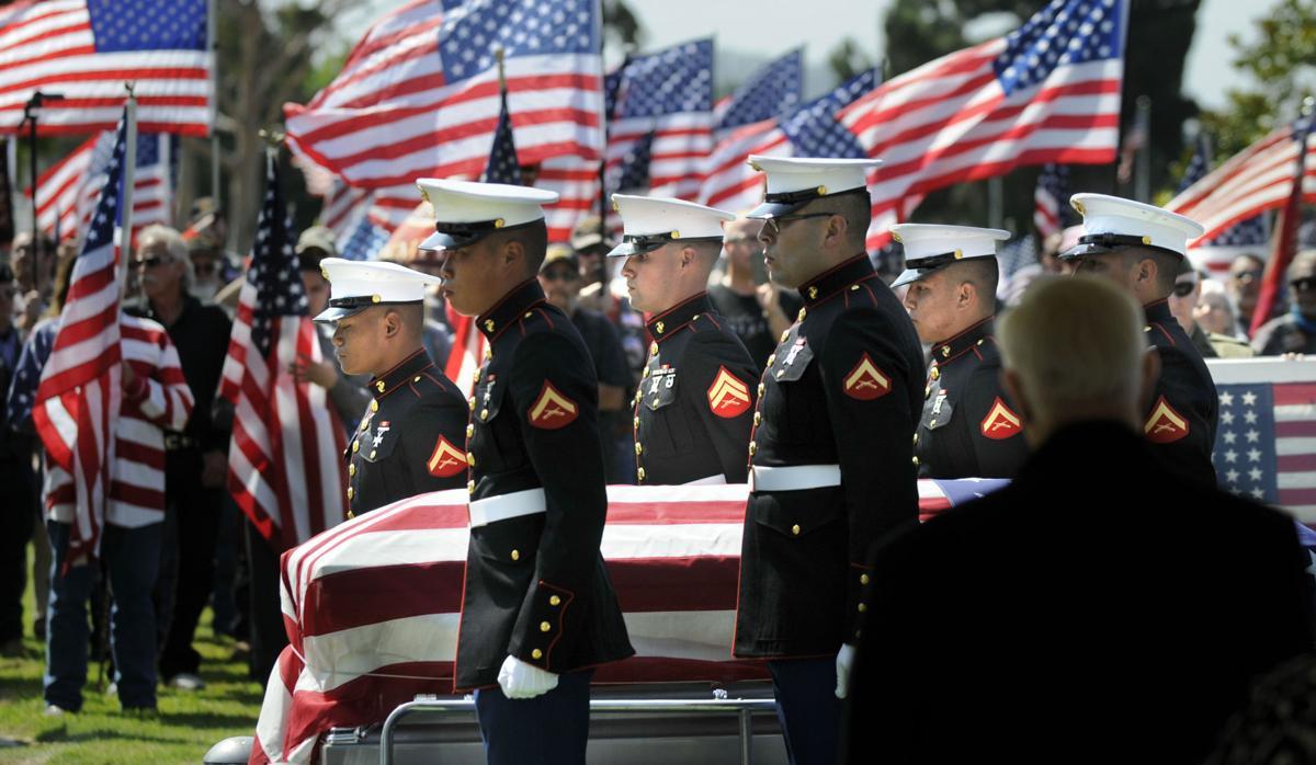 081817 Marine funeral 01.jpg