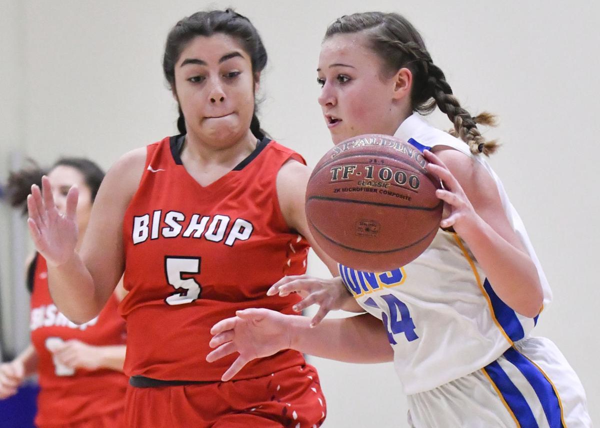 122718 Bishop VCA g basketball 01.jpg