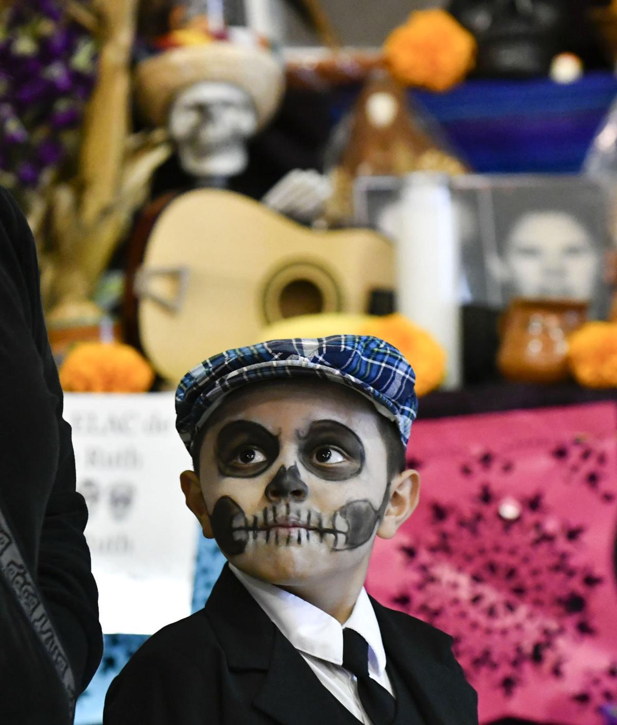 110217 Dia de los Muertos 01.jpg