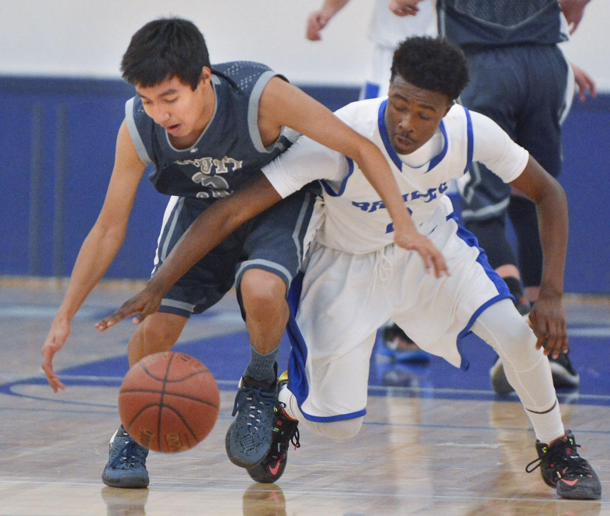 121515 OAHS LHS b basketball 01.jpg