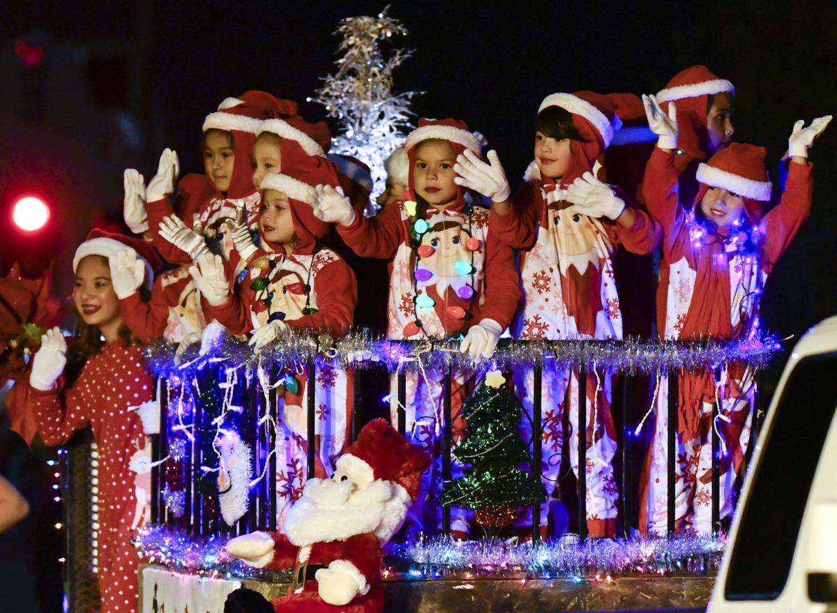 120117 Lompoc Christmas Parade 01.jpg