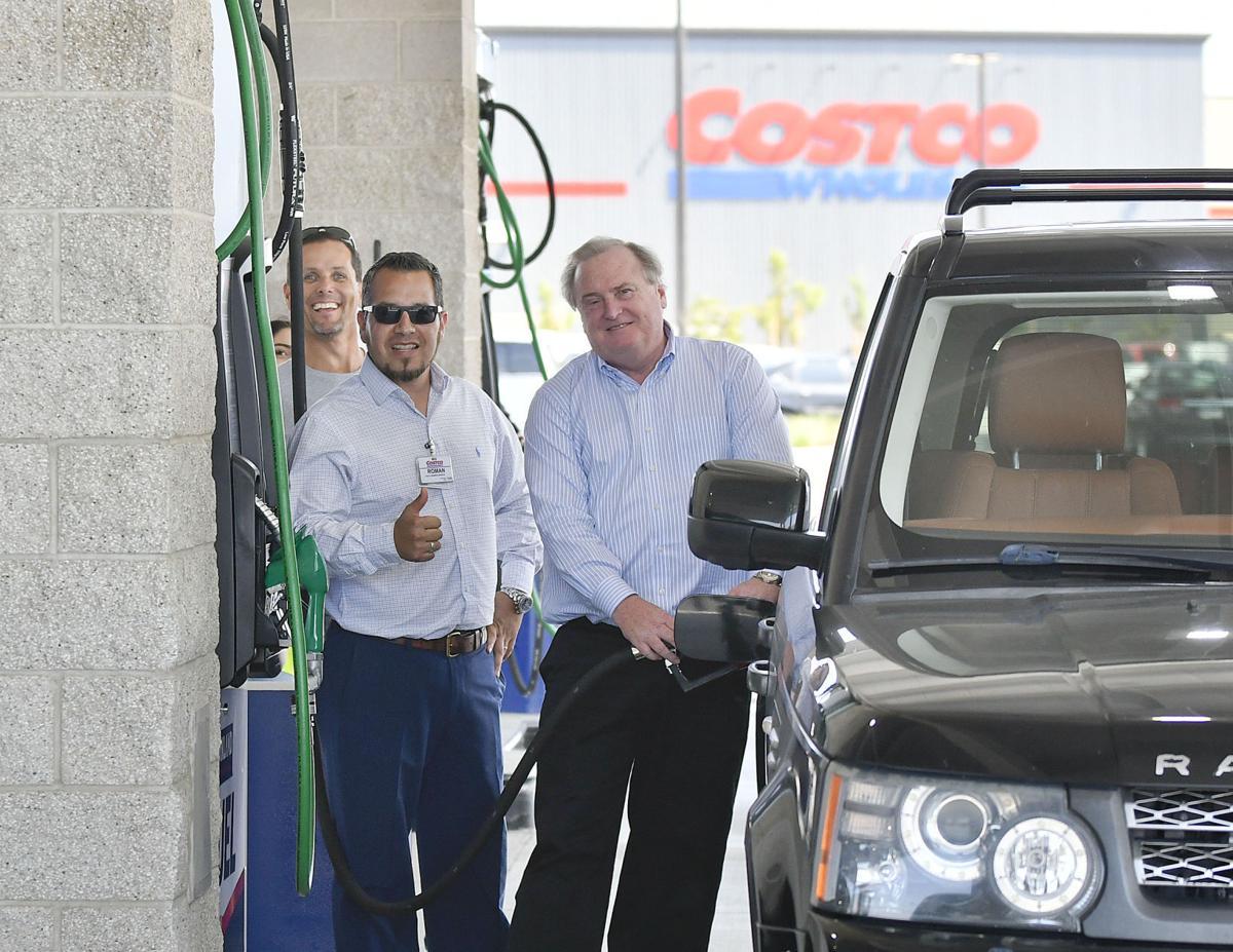 091317 Costco gas opens 02.jpg