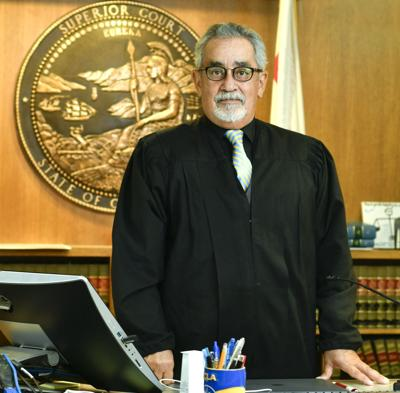 Longtime judge Rogelio Flores to retire from the bench after 31 years
