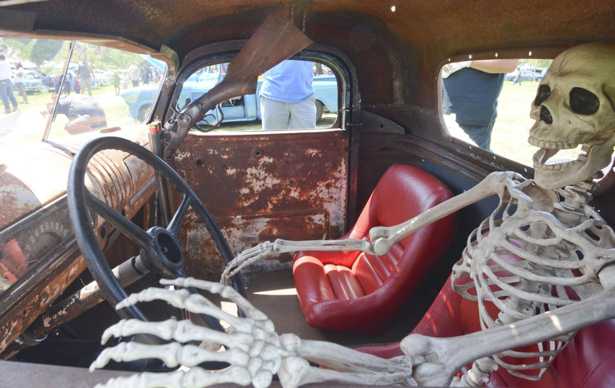 Lompoc Police Car Show Gets A Jumpstart Returns To Ryon Park - Lompoc car show