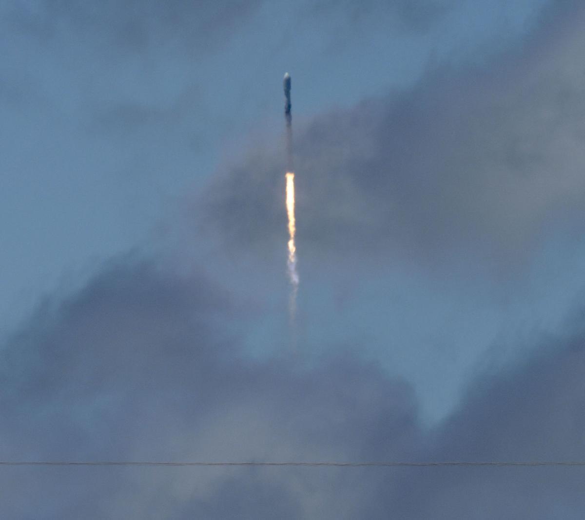 052218 SpaceX Iridium 02.jpg