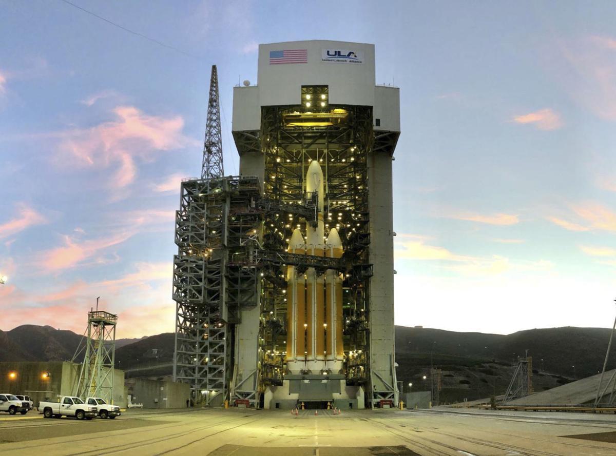Delta IV Heavy waits (copy)