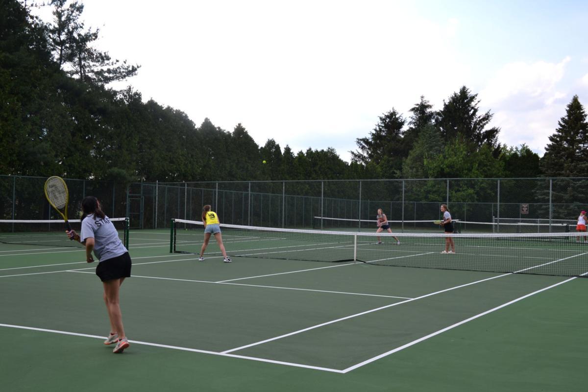 Tennis courts photo 2