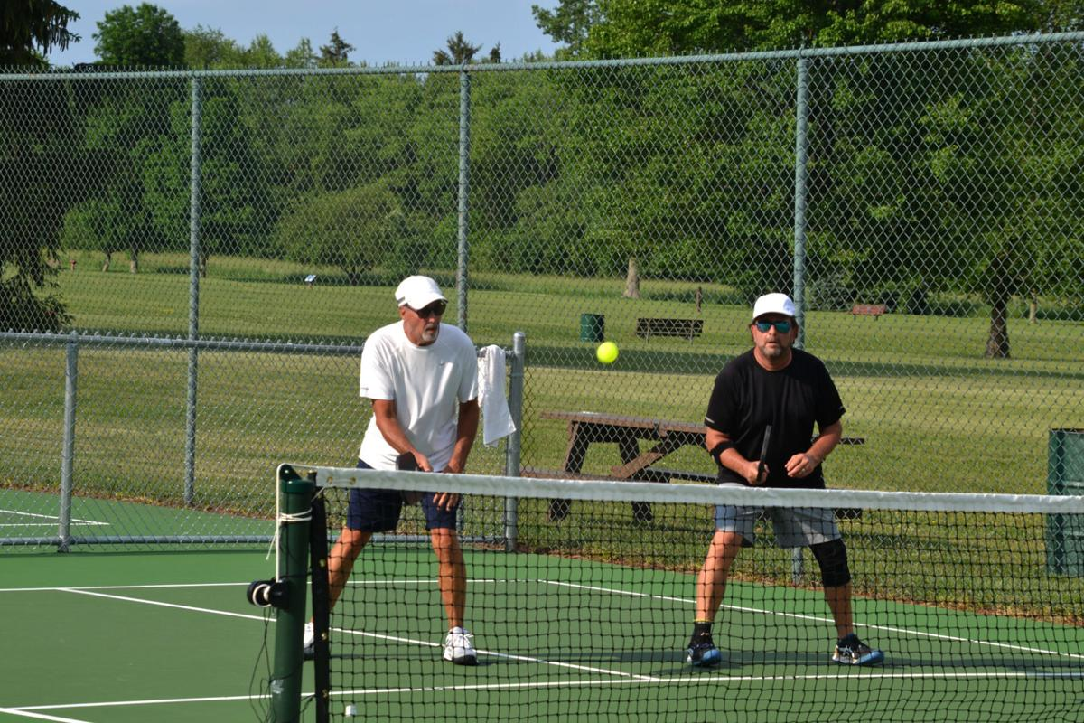 Tennis courts photo 1