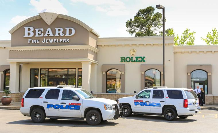 authorities arrest two in second lufkin jewelry store