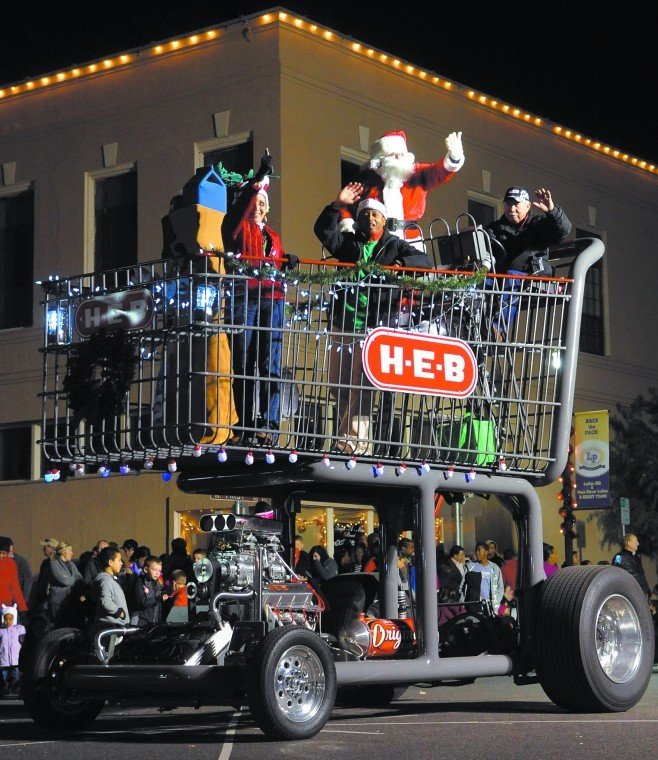 H-E-B grocery cart float takes top prize at lighted Christmas ...