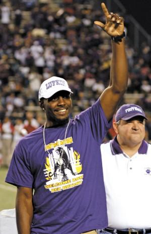 Lufkin Celebrates Dez Bryant Day With Blowout Win Sports