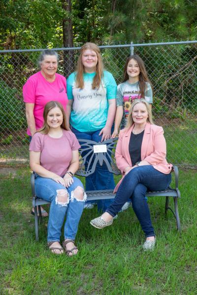 Hudson ISD dedicates bench to teacher