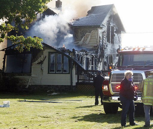 Investigators probe cause of Wisconsin fire that killed 6