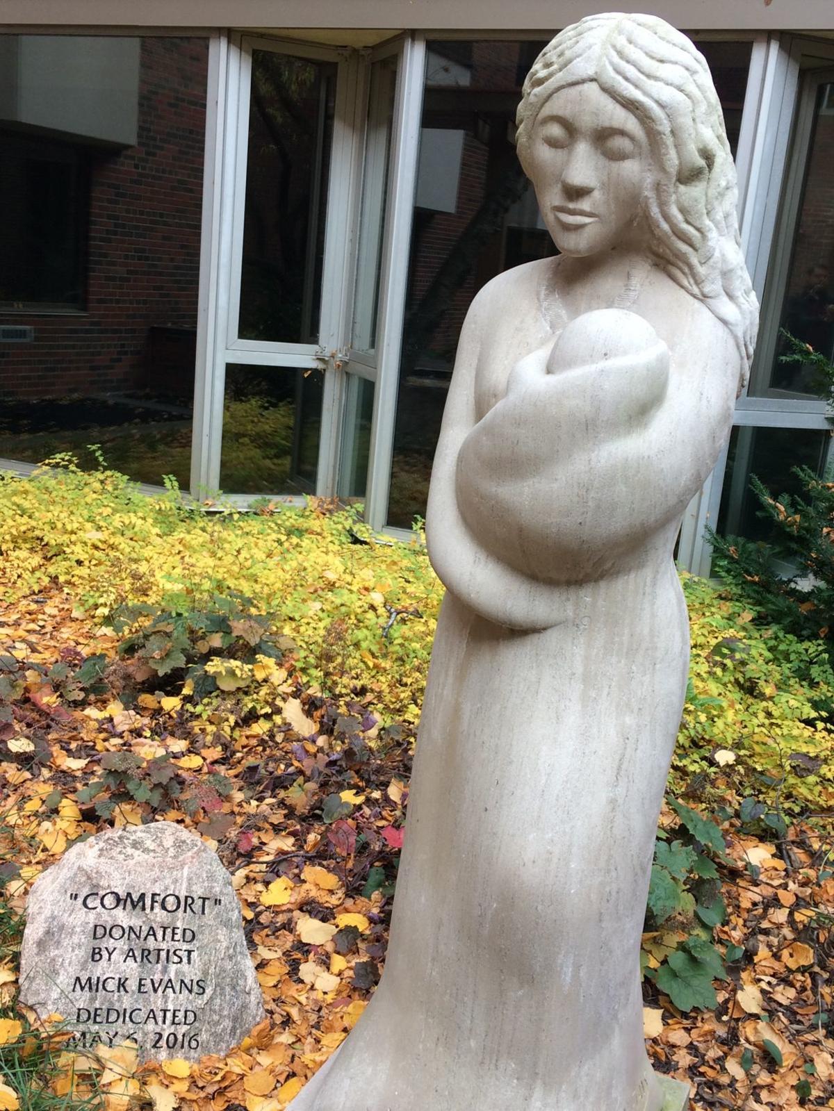 """""""Comfort"""" sculpture"""