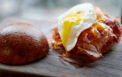 Porter - Breakfast sandwich (copy)