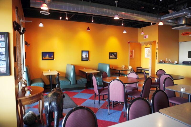 Thai Blox Shop Aladdin S Curries Grant Thai Wishes Dining Reviews Madison Com