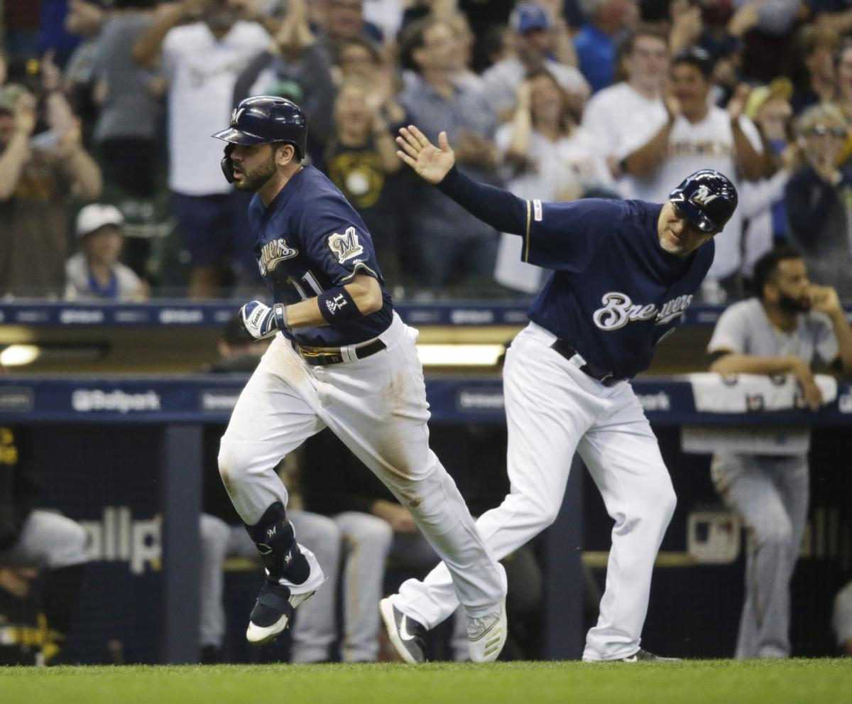 innovative design 6c6f9 b8dcf Mike Moustakas' homer helps Brewers beat Pirates, wins SUV ...