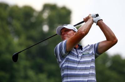 Steve Stricker tees off, AP photo