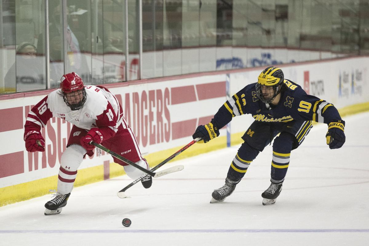 UW hockey vs. Michigan