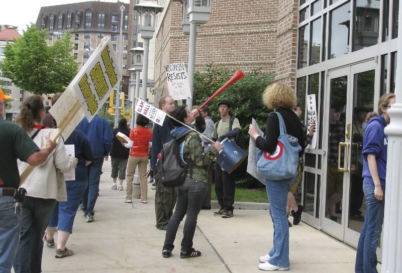 Fluno Protest 3.jpg