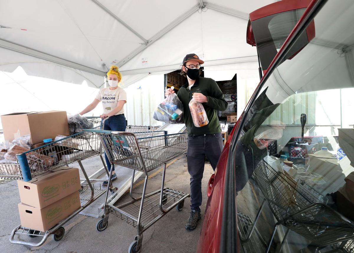 Thomas Leffler loading car