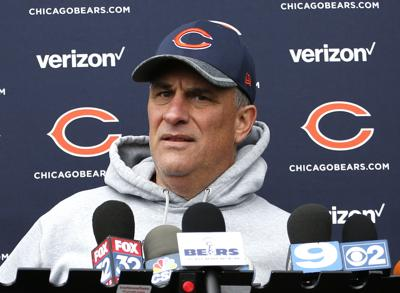 Vic Fangio with Bears, AP photo mug