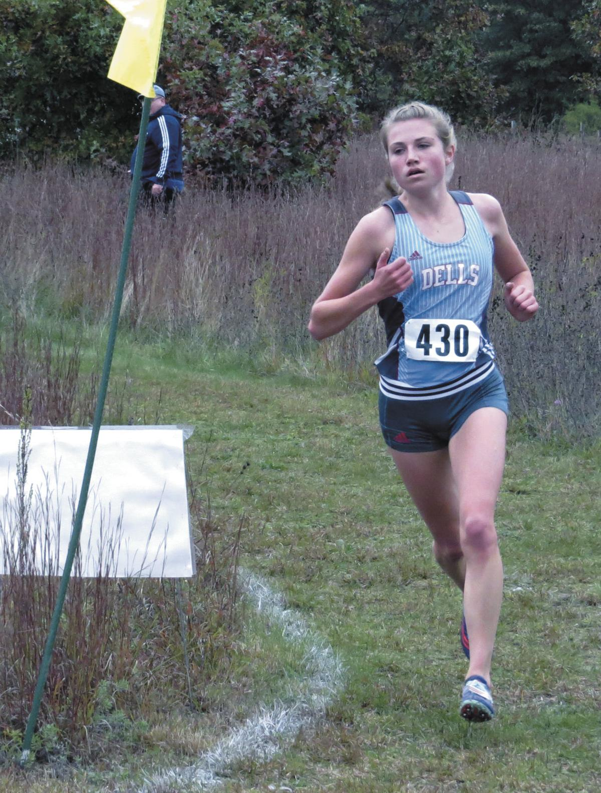 Prep girls cross country photo: Wisconsin Dells' Laura Beghin