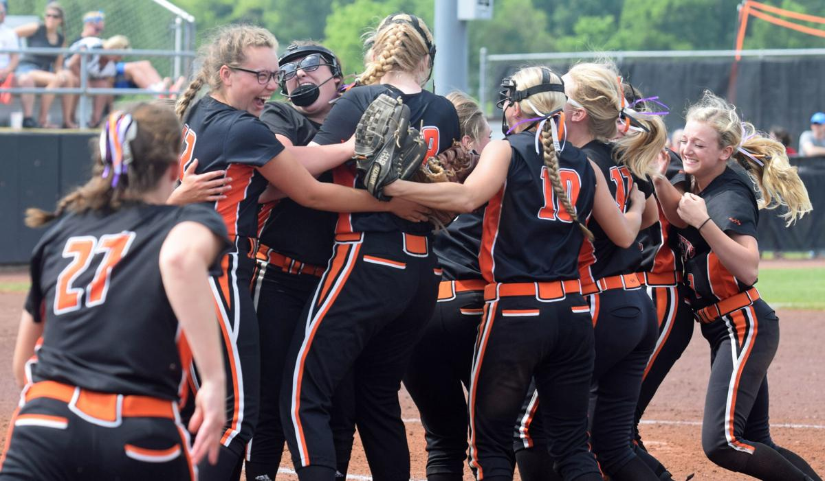 Poynette softball wins another state title