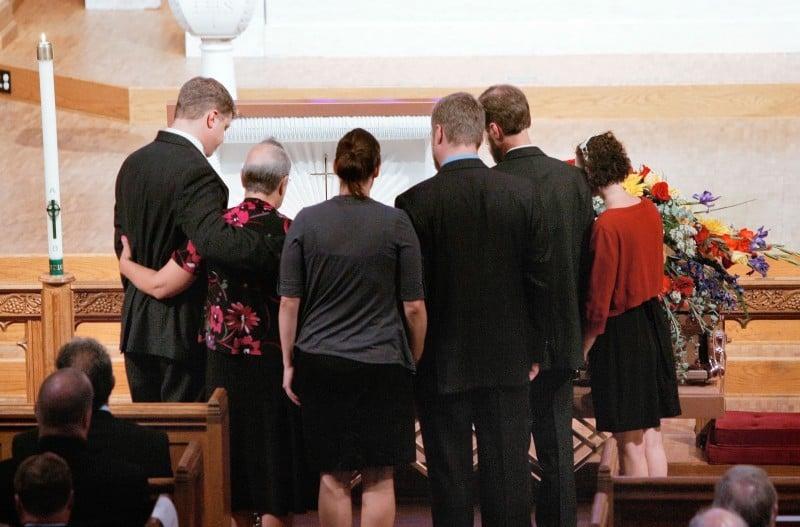 Nilsestuen Memorial family around casket