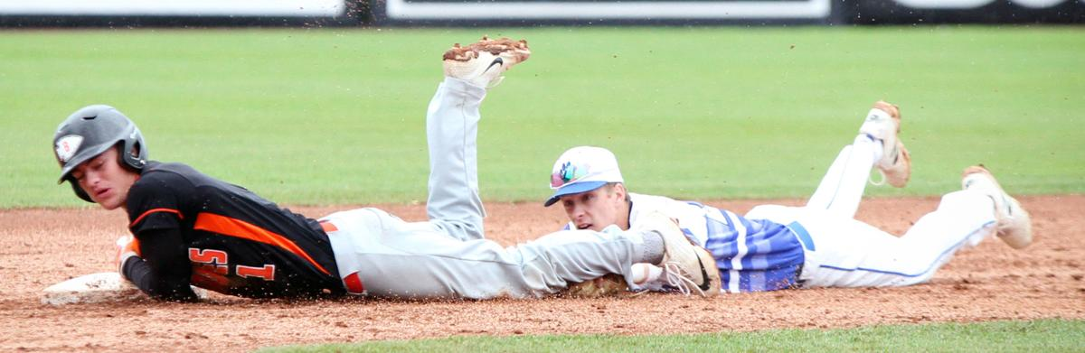 WIAA state baseball photo: Mineral Point's Isaac Lindsey makes the tag