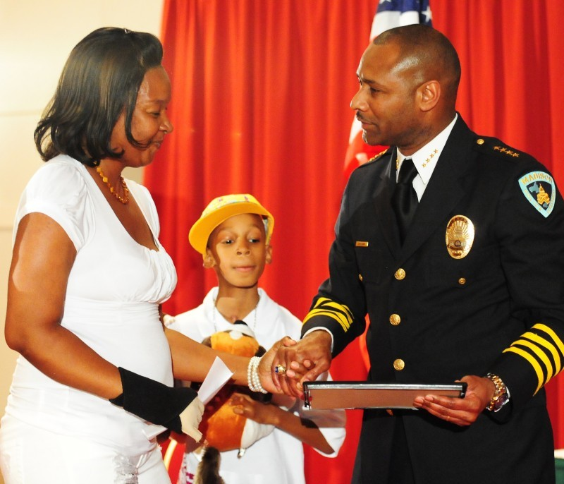 Mother, police officers praised at awards ceremony | Local
