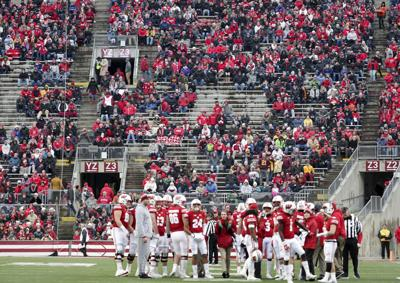 Wisconsin Badgers Average More Than 15000 No Shows For Home