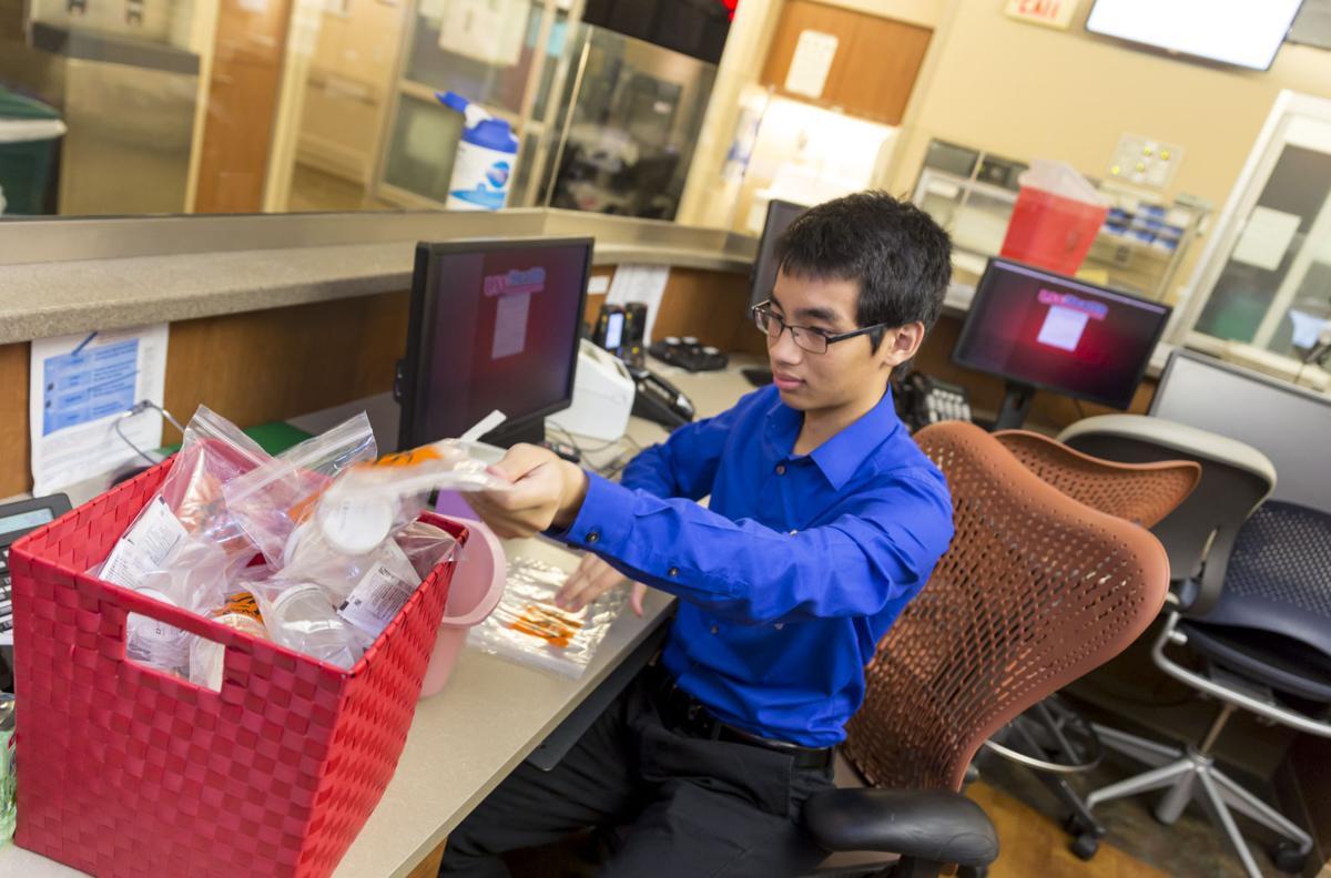 Students Explore Health Care Careers In Summer Internships At Uw