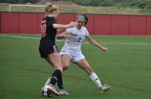 WIAA Girls Soccer: Melia Moyer's clutch saves in shootout help send Oregon past Whitefish Bay in Division 2 final