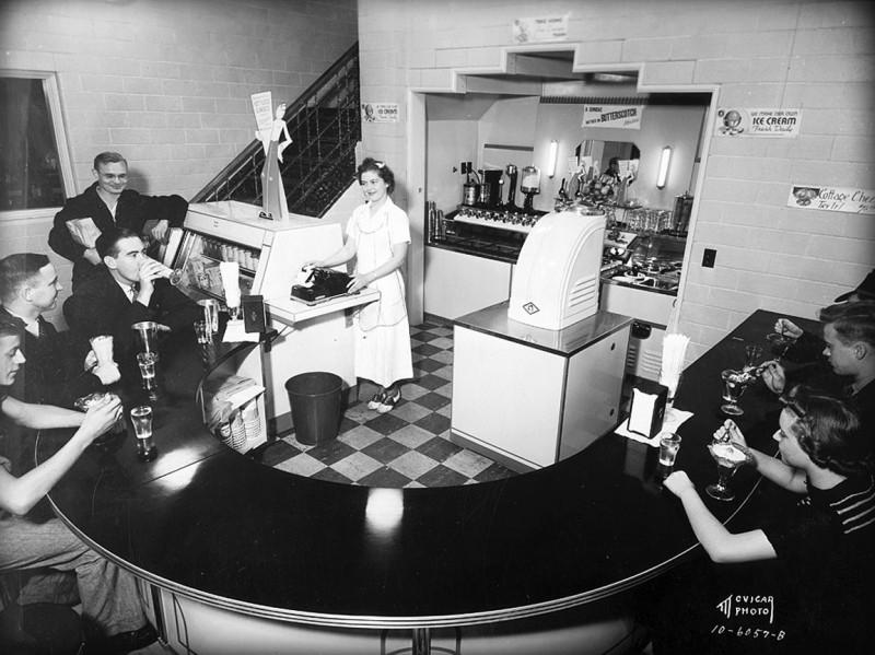 Bancroft dairy fountain room 1947