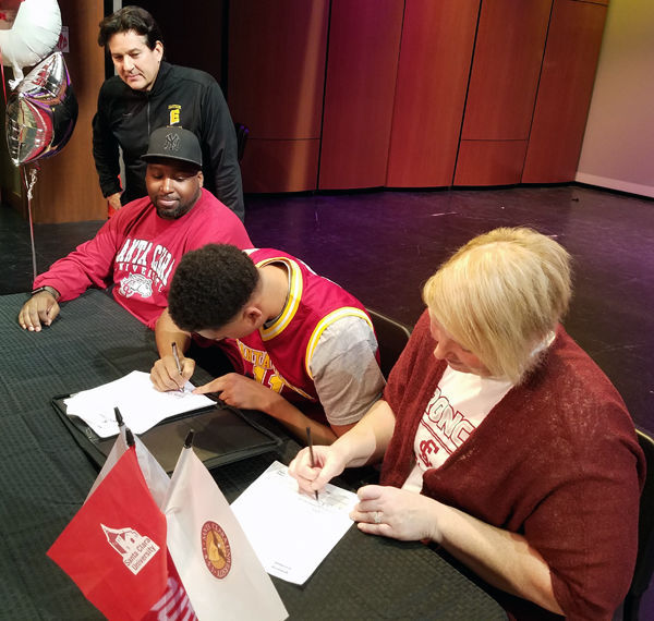 Keshawn Justice signs to play basketball at Santa Clara