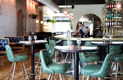 Bar Corallini seating