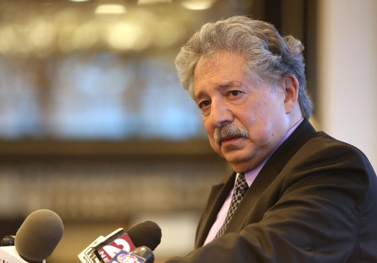 Quick Someone Give Paul Soglin Bag Of >> Scott Walker State Jobs Agency Paint Contradictory Pictures Of